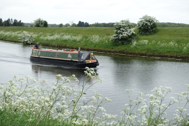 Canal boat near Lincoln