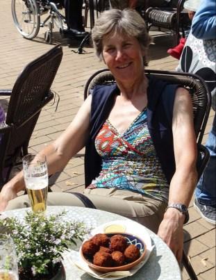 Groningen - Beer and bitterballen and sun
