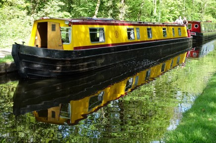 Recreational canal boats
