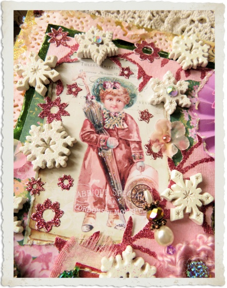 Handmade mixed media Christmas wallhanger with vintage details and flowers by Ingeborg van Zuiden