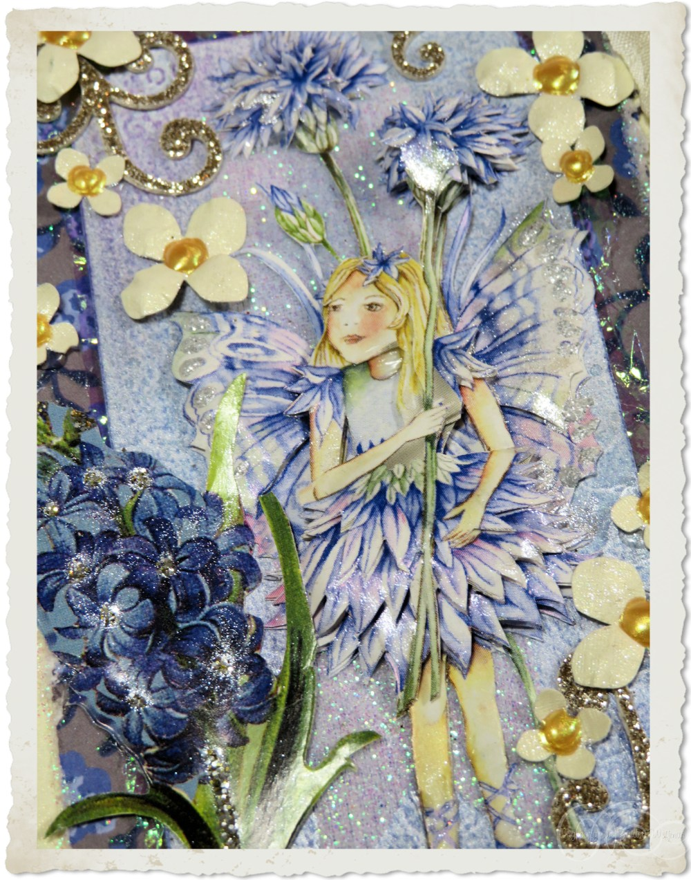 Flower fairy and punch flowers by Ingeborg van Zuiden