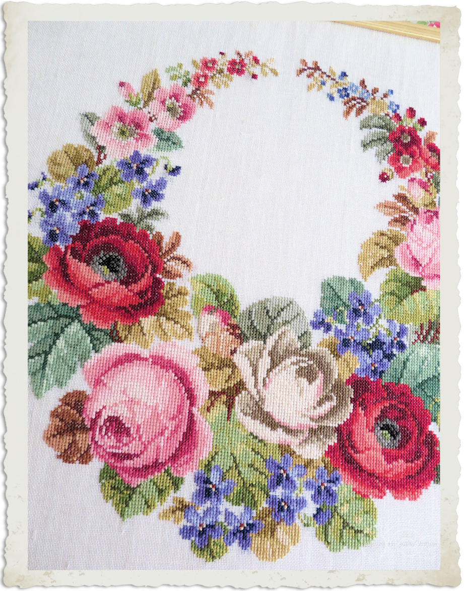 Roses cross-stitch wreath by Ingeborg van Zuiden