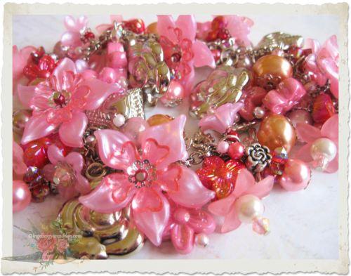 Handmade pink flower charm bracelet by Ingeborg van Zuiden
