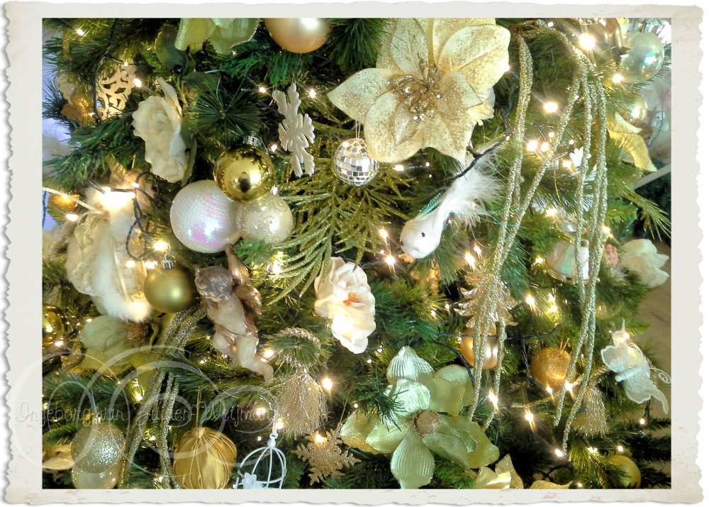 Creme green and gold Christmas tree decorations