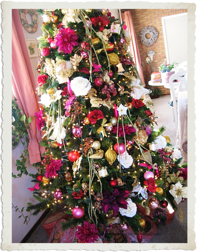 Details of the Christmas tree