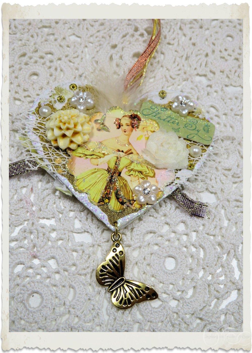 Handmade paper heart hanger by Ingeborg van Zuiden - my fairy beautiful world