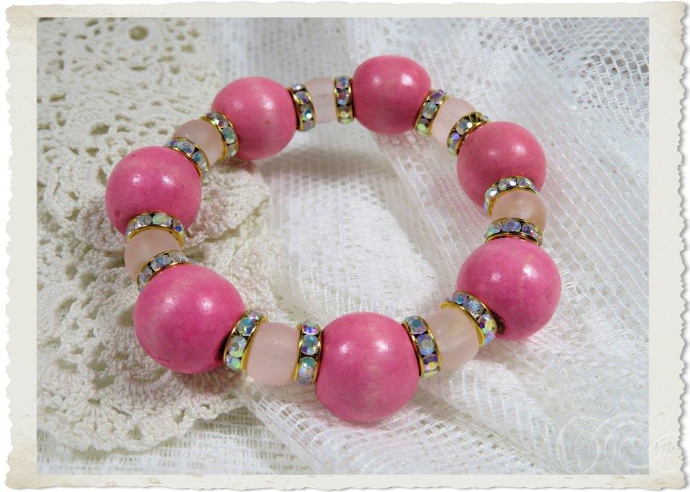 Pink wooden ball bracelet by Ingeborg
