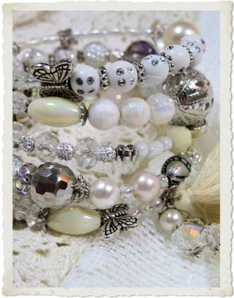 White silver memory wire bracelet by Ingeborg van Zuiden Weijman