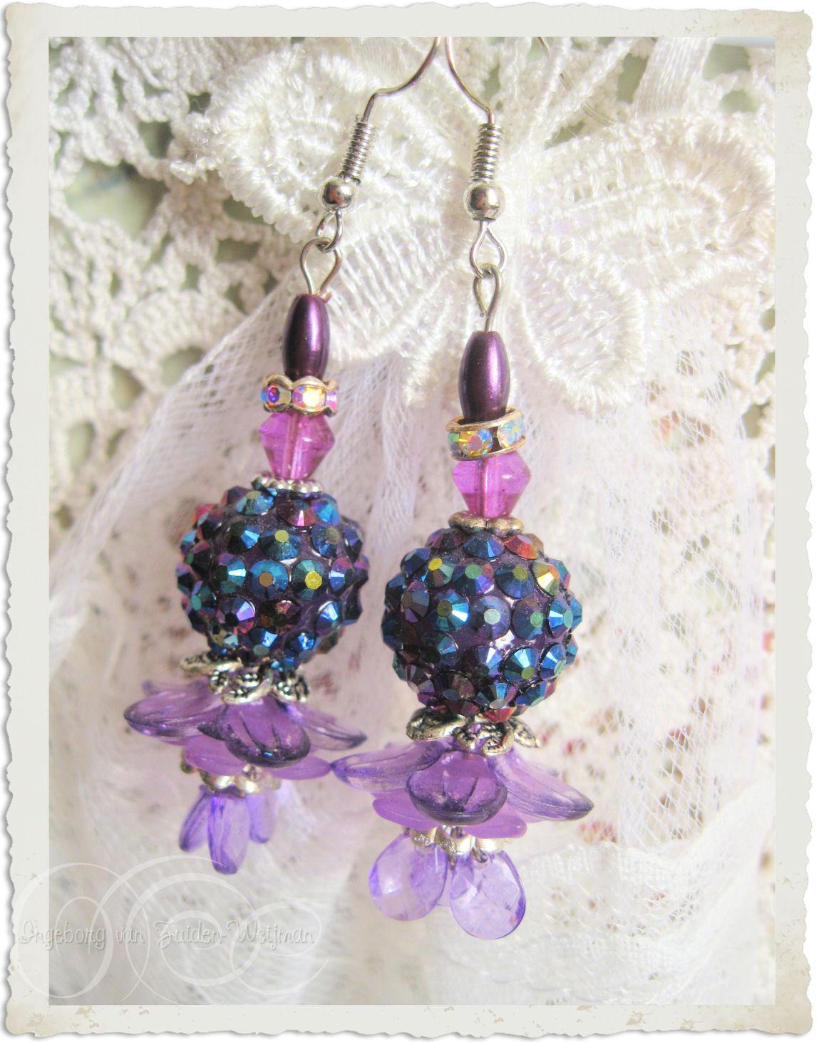Purple bling earrings by Ingeborg van Zuiden