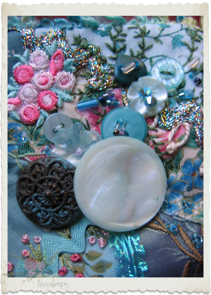 Buttons and beads in turquoise