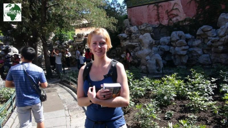 Lisbeth og vores bibel - Lonely Planet China