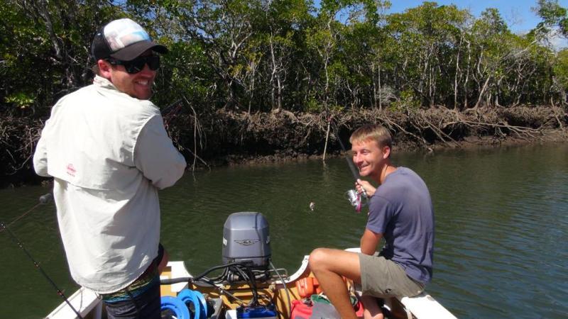På krokodille safari/ fisketur.