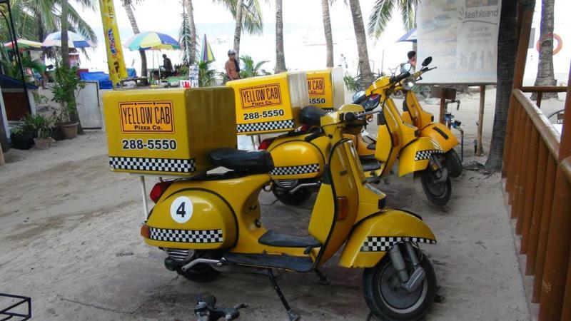 På Boracay har de selvfølgelig også pizzabud.