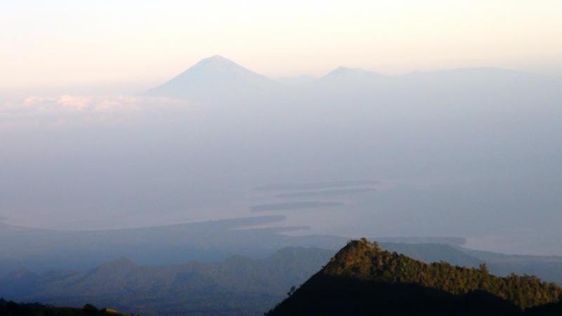 Bali og Gili øerne i baggrunden - smukt syn fra morgenstunden.