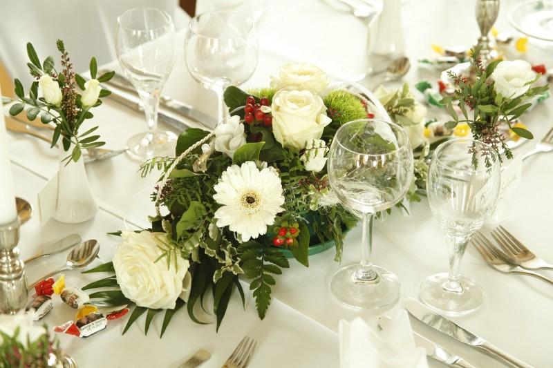 20 Ideen Fr Blumendeko Tisch Hochzeit  Hochzeitskarten