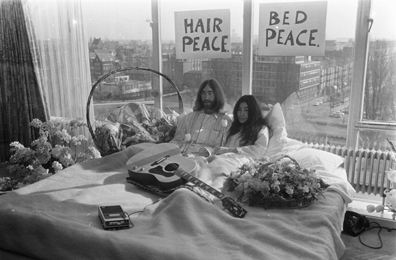 Bed In for Peace - Amsterdam 1969 -  John Lennon & Yoko Ono