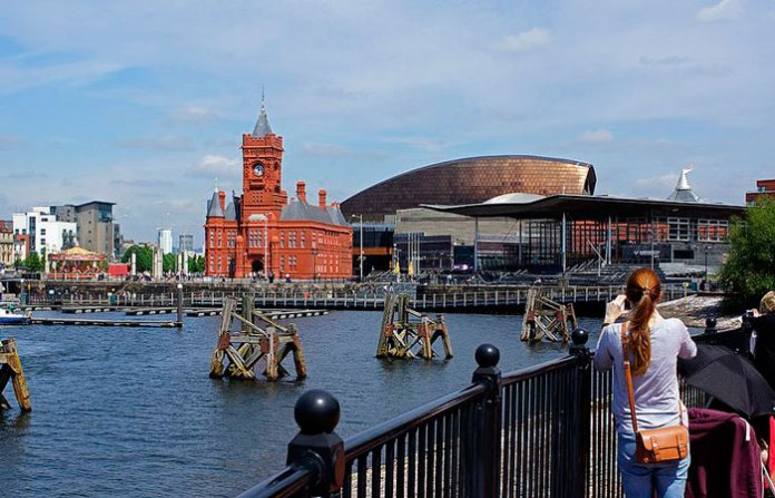Barrera de la Bahia de Cardiff