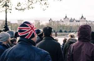 Grupo de personas en el Reino Unido