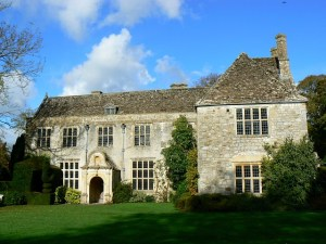 Avebury Manor, south elevation. Photo by Brian Robert Marshall.
