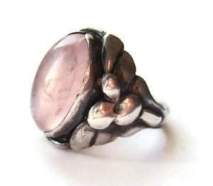 Skonvirke rose quartz and silver ring. For sale in my Etsy shop: