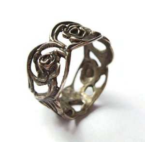 Art Nouveau style 835 silver ring by Christoph Widmann of Pforzheim, Germany, with a Hildesheimer Rose design. For sale in my Etsy shop: click on photo for details.