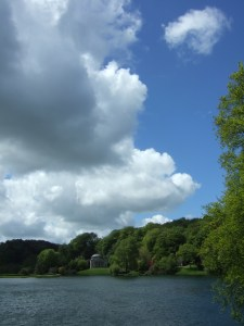 Stourhead: Big skies over the lake and the Pantheon.