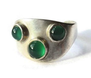 Vintage Swedish green chrysoprase and sterling silver ring, made in 1957.