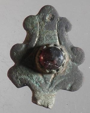 Fragment Schmuckstück mit Stein 1