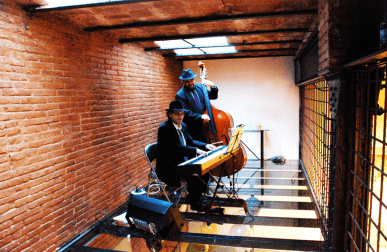 MUSICS DE BENVINGUDA