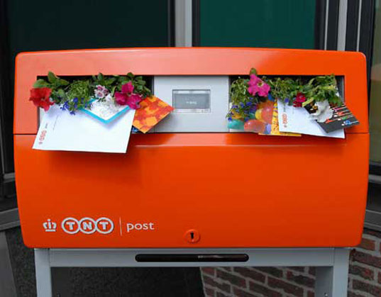 Dutch stamps tht contain seds...blooming postage! (courtesy of inhabit.com)