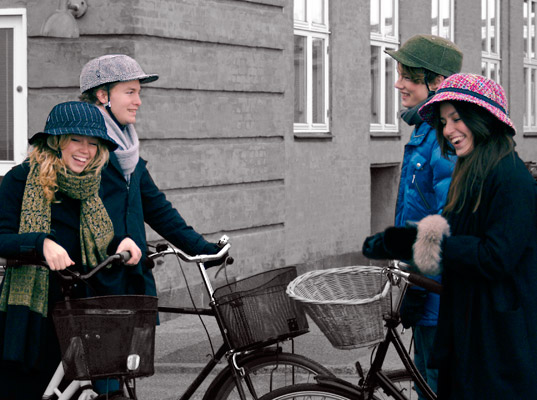 Non Dorky Yakkay Bike Helmets, http://www.ecouterre.com/8575/finally-bike-helmets-that-dont-make-you-look-like-a-dork/