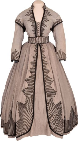 gone with the wind dress up for auction