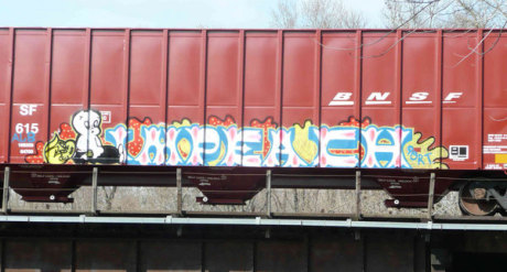 Imagen de un grafitti sobre tren de Max Arouse