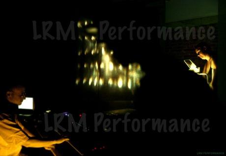Foto de LRM -Berta Delgado y David Aladro-Vico- en acción