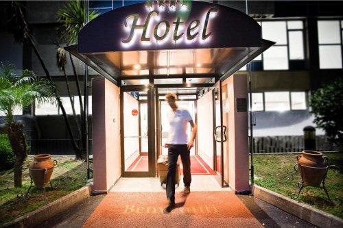 Hotel Quadrifoglio  Pomigliano Darco Napoli  Prenota Subito