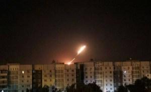 Ukraine / Donbass : pendant les négociations, Kiev bombarde un hôpital et embastille les communistes.