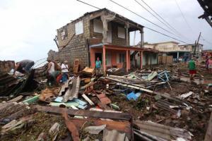 Dévastée par Irma Cuba se mobilise pour les sinistrés et démarre la reconstruction #irma