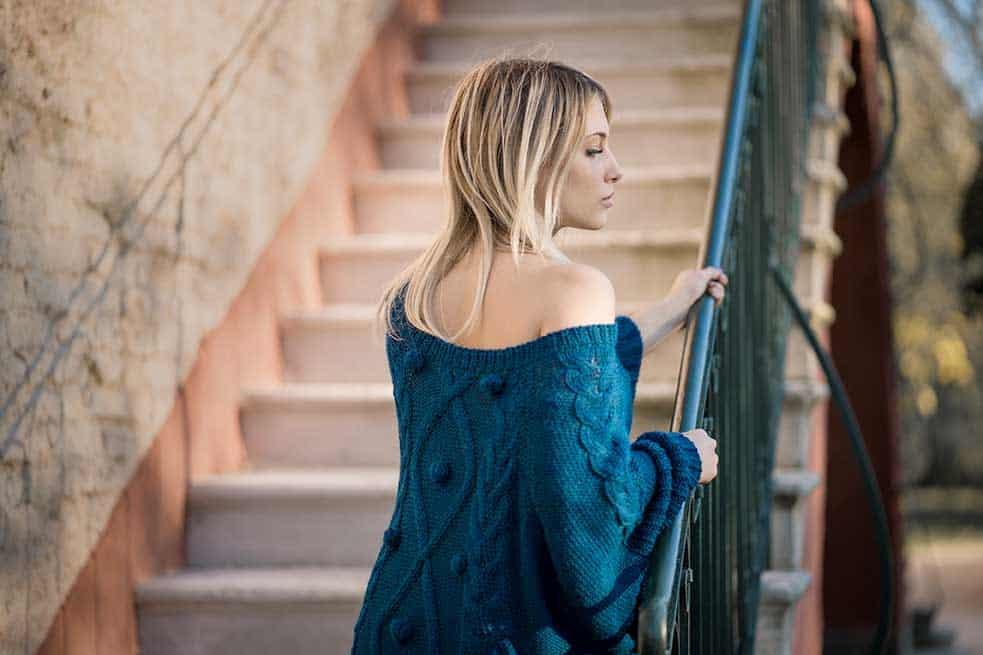 Maglione blu donna morbido come il cashmere pura lana alpaca design made in italy