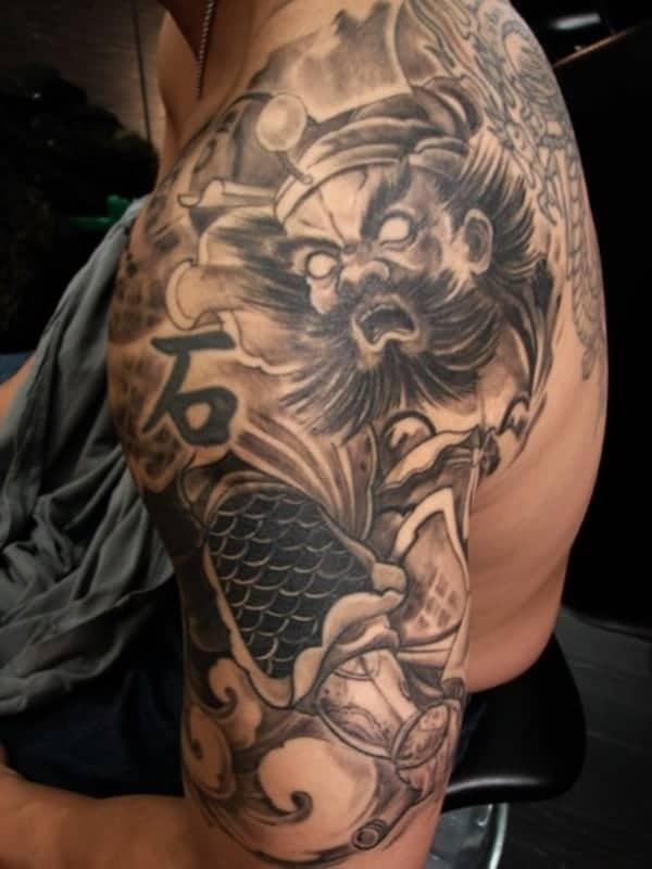 jaw dropping shoulder tattoos