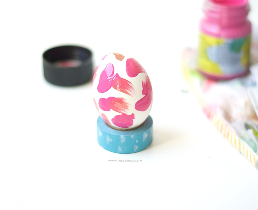 DIY simple abstract easter eggs - Zakkiya Hamza| Inkstruck Studio