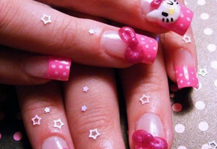 30 Cool Hello Kitty Nail Art Ideas