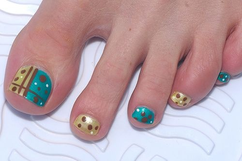 Bubble Themed Toenail Art Design You Can Use Neon Pink And Colors For This