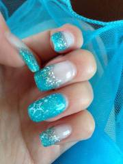 eye-catching prom nails
