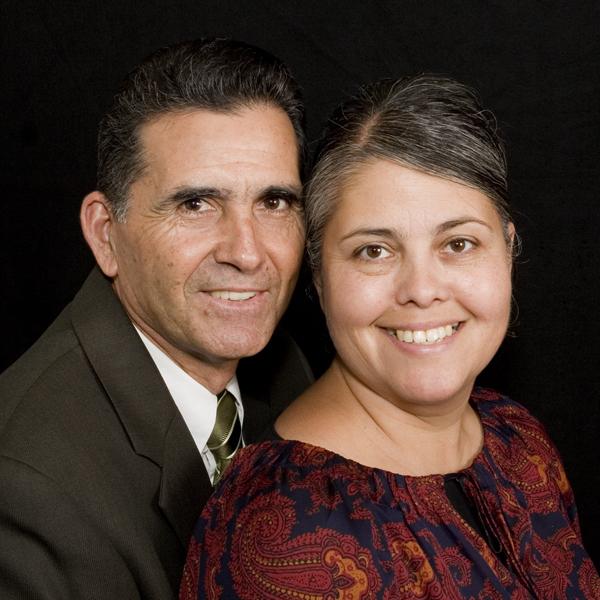 Saul y Graciela Flores