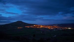 Panorama Genoni di notte