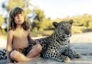 तब्बल १० वर्षे जंगली प्राण्यांसोबत काढणारी ही आहे रियल लाईफ मोगली !
