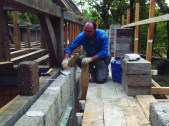 Laying hempcrete blocks. Image by Enrique Neyland Quintano