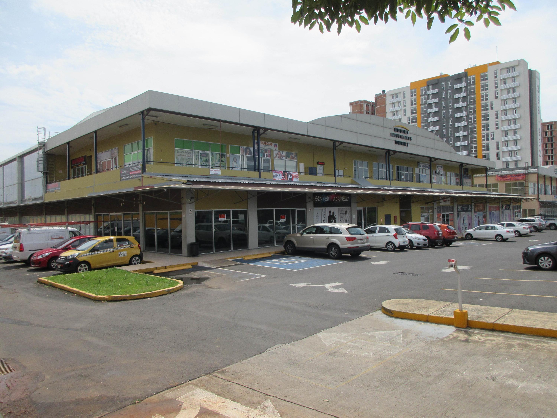 Alquilo amplio y centrico local comercial 168mts tocumen