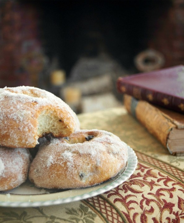 Baked Currant Doughnuts