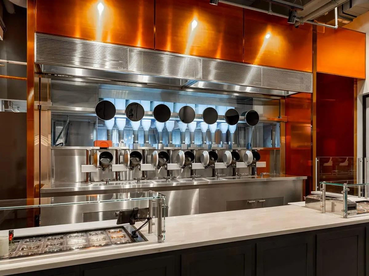 El restaurante robotizado que te prepara la cena en 3